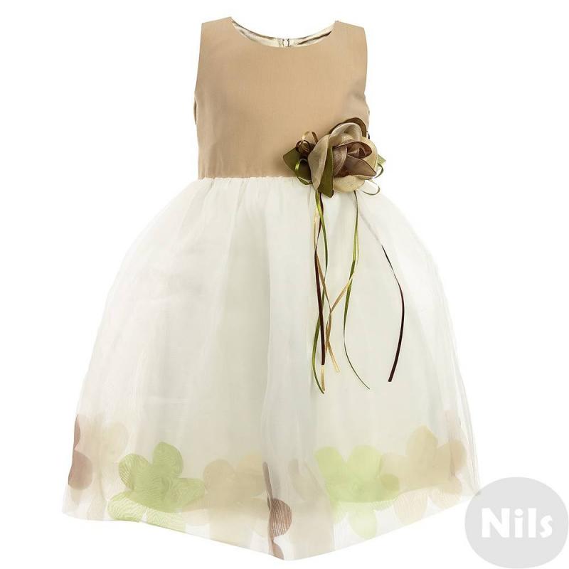 ПлатьеНарядное платье бежевого цвета марки LP Collection для девочек. Платье без рукавоввыполнено из хлопка, юбка - из сатинас верхним слоем из полупрозрачной органзы. Подкладка лифа гладкая сатиновая, подкладка юбки хлопковая. Платье украшено объемной розой с лентами на поясе, на подоле изображения цветов. Сзади платье застегивается на молнию, талия регулируется пышным бантом.<br><br>Размер: 5 лет<br>Цвет: Бежевый<br>Рост: 110<br>Пол: Для девочки<br>Артикул: 628947<br>Страна производитель: Таиланд<br>Сезон: Всесезонный<br>Состав: 55% Хлопок, 45% Полиэстер<br>Бренд: Таиланд<br>Вид застежки: Молния