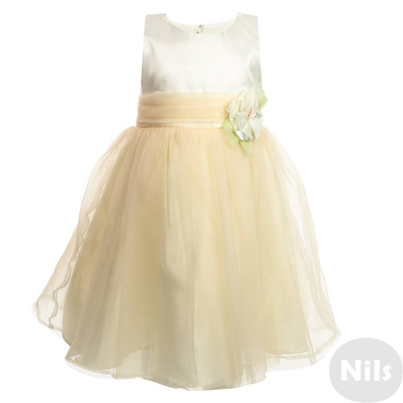 ПлатьеНарядное платье нежно-золотистого цвета марки LP Collection для девочек. Платье без рукавов выполнено из сатина с верхним слоем из полупрозрачной органзы и тюля. Подкладка сшита из натурального хлопка. Платье украшено объемной розой с лепесткамина поясе. Сзади платье застегивается на молнию, талия регулируется пышным бантом.<br><br>Размер: 6 лет<br>Цвет: Бежевый<br>Рост: 116<br>Пол: Для девочки<br>Артикул: 628939<br>Страна производитель: Таиланд<br>Сезон: Всесезонный<br>Состав: 55% Хлопок, 45% Полиэстер<br>Бренд: Таиланд<br>Вид застежки: Молния