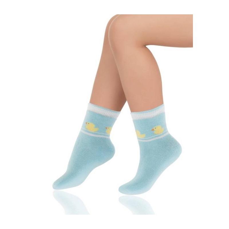 НоскиМахровыеноски голубогоцвета марки Arina by Charmante для малышей. Светло-голубые носки украшены рисунком с утятами, имеют удобную резинку, выполнены из эластичного трикотажа на основе хлопка.<br><br>Размер: 3 месяца<br>Цвет: Голубой<br>Размер: 14/16<br>Пол: Не указан<br>Артикул: 629713<br>Страна производитель: Китай<br>Сезон: Всесезонный<br>Состав: 80% Хлопок, 10% Полиамид, 7% Нейлон, 3% Эластан<br>Бренд: Италия