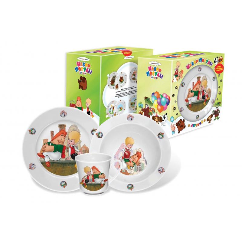 Набор посуды Малыш и Карлсон 3 пр.Набор посуды Малыш и Карлсон из трех предметов предназначен для детей от 2-х лет. Набор от крупнейшего российского производителя выполнен из качественного фарфора с изображением любимых героев из советского мультфильма про Карлсона. Набор включает в себя три предмета: тарелку мелкую, тарелку глубокую и чашку, упакован в картонную подарочную коробку.<br>Можно мыть в посудомоечной машине и использовать в СВЧ-печи.  Глубокая тарелка - диаметр 17,5 см, объем 300 мл. Мелкая тарелка - диаметр 20 см. Кружка - высота 8 см, объем 250 мл.<br><br>Возраст от: 2 года<br>Пол: Не указан<br>Артикул: 630874<br>Страна производитель: Россия<br>Бренд: Россия<br>Лицензия: Союзмультфильм<br>Размер: от 2 лет