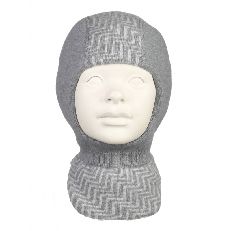 Шапка-шлем от Nils