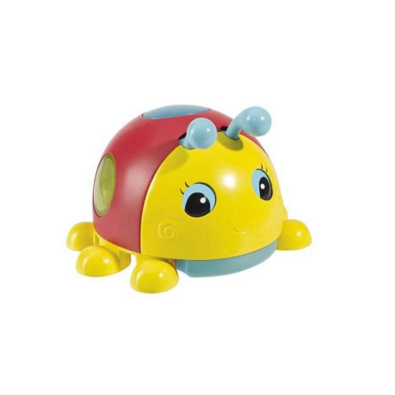 Игрушка Божья коровкаРазвивающая игрушка Божья коровка маркиSimba.<br>Божья коровка представляет собой функциональную детскую игрушку со световыми эффектами, ориентированную на развитие внимания, воображения и органов зрения малыша. Божья коровка Simba является игрушкой инерционного типа, если пошевелить «усики» игрушки, то ее глаза начинают двигаться в противоположных направлениях. На спине коровки располагается кнопка, при нажатии на которую загораются разноцветные огоньки. Игрушка имеет яркое оформление, она изготовлена из высококачественной пластмассы, экологически чистого и абсолютно нетоксичного материала.<br>Габариты игрушки – 10х2х8 см<br>Работает от трех батареек 1.5V LR44 (в комплект не входят).<br><br>Возраст от: 6 месяцев<br>Пол: Не указан<br>Артикул: 630616<br>Бренд: Германия<br>Размер: от 6 месяцев