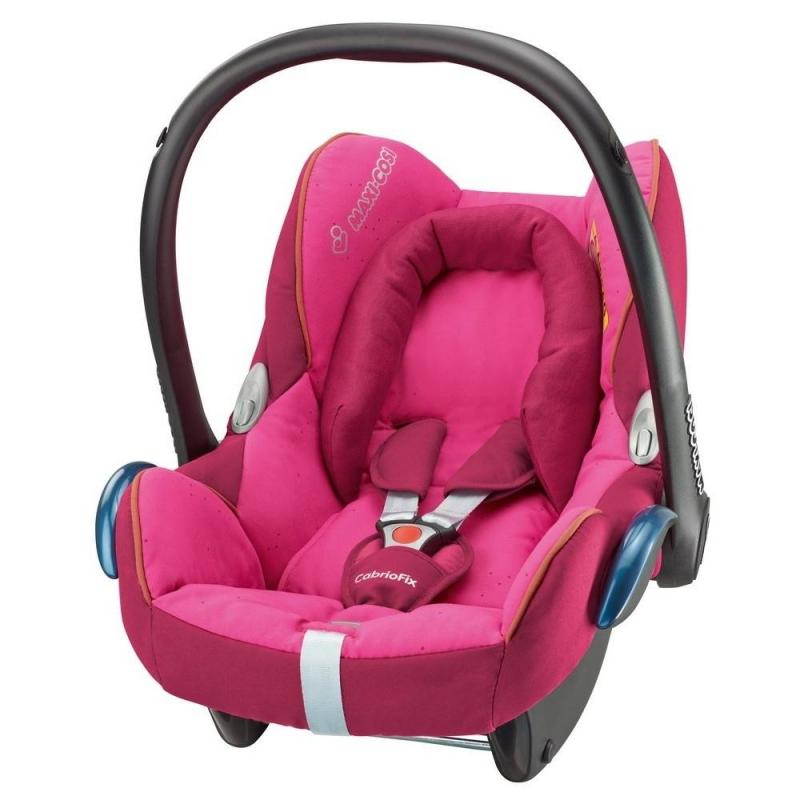 Автокресло Cabrio Fix Berry PinkАвтокресло Cabrio Fix Berry Pink малинового цвета маркиMaxi-Cosi для девочек.<br>Автокресло является новейшей разработкой копании Maxi-Cosi для перевозки малышей с рождения до 15 месяцев.<br>Модель разработана на базе кресла модель Maxi-Cosi Citi с целью сделать путешествие еще более удобным и безопасным для вашего маленького пассажира.Автокресло имеет встроенный регулятор глубины сиденья для наиболее комфортного положения в зависимости от веса малыша. Специальная подушечка поддерживает спинку ребенка. Расширенные борта подголовника обеспечивают правильное положение головы и ее надежную защиту.Кроха надежно фиксируется в кресле с помощью трехточечных ремней безопасности с усовершенствованным фиксатором и мягкими накладками.Кресло Cabrio Fix имеет в комплекте козырек от солнца и отделение для игрушек, чтобы поездка прошла легко и приятно. Может использоваться вне автомобиля как переноска или качалка.Гипоаллергенный материал обивки сиденья легко снимается для стирки и неприхотлив в уходе.Автокресло устанавливается в машине лицом против движения с помощью стандартных ремней безопасности.Рекомендуется использовать автокресло с базами FamilyFix, 2WayFix, EasyFix. Подходит практически для всех автомобилей, кроме некоторых моделей Volvo. Кроме того, автокресло совестимо практически со всеми колясками Maxi-Cosi и Quinny, за исключением Maxi-Taxi Plus.Автокресло Cabrio Fix Berry Pink отличается обновленным стильным дизайном с яркой расцветкой в ягодно-розовых тонах, который порадует маленьких леди и их мам. Гармоничное сочетание стиля, комфорта и безопасности гарантирует вашей крохе положительные впечатления от любой поездки.<br>Размер: 51x52x73см.<br>Вес автокресла:3,25кг.<br><br>Цвет: Малиновый<br>Возраст от: 0 месяцев<br>Пол: Для девочки<br>Артикул: 628707<br>Бренд: Нидерланды<br>Страна производитель: Китай<br>Вес: 3,25 кг.<br>Размер: от 0 месяцев<br>Способ установки: Против хода движения<br>Способ крепления: Ремень безопасности<br>Регулиро