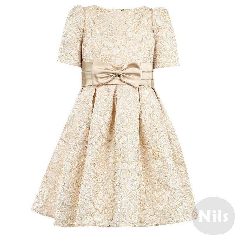 ПлатьеПлатьекремово-золотогоцвета марки Fansy Way для девочек.<br>Праздничное жаккардовое платье с коротким рукавом и пышной плиссированной юбкой дополнено подъюбником из фатина и хлопковой подкладкой. Платье украшено узорами золотистого цвета, пояс декорирован широкой атласной лентой с бантом. Застегивается платье на молнию и шнуровку на спине.<br>Нарядное платье Fansy Wayстанет самым изысканным нарядом на любом празднике.<br><br>Размер: 8 лет<br>Цвет: Золотой<br>Рост: 128<br>Пол: Для девочки<br>Артикул: 634325<br>Страна производитель: Россия<br>Сезон: Осень/Зима<br>Состав верха: 100% Полиэстер<br>Состав подкладки: 100% Хлопок<br>Бренд: Россия