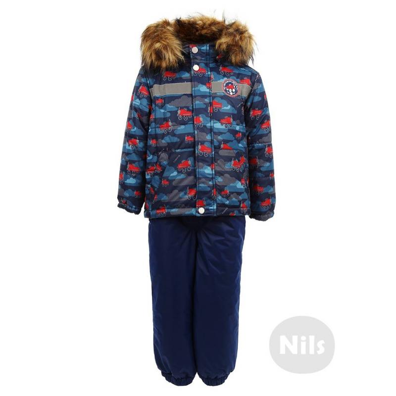 КомплектКомплект (куртка + полукомбинезон) синегоцвета марки LUHTA для мальчиков. Очень теплый комплект из материала с грязеотталкивающими свойствами и с долговременной водоотталкивающей обработкой, защищает от ветра. На внутренней стороне куртки расположена система термоконтроля, которая подскажет родителям о микроклимате под верхней одеждой ребенка (температура высвечивается на шкале, есть подсказки о том, какая температура комфортна для ребенка). Подкладка с отделкой из велюра выполнена из стопроцентного хлопкового трикотажа. В изготовлении комплекта использован легкий и очень теплый наполнитель Finnwad. Комплект подходит для температур около-20°.<br>Куртка имеет съемный капюшон на кнопках с отделкой из искусственного меха, которая тоже отстегивается. Есть два кармана с велюровой подкладкой и светоотражающая полоска. К язычку молнии прикреплен маленький настоящий компас.<br>Темно-синиебрюки с высокой талией на регулируемых подтяжках имеют длинную молнию спереди, карман на молнии, хлопковую подкладку и удобные штрипки, чтобы штанины не задирались вверх.<br><br>Размер: 2 года<br>Цвет: Темносиний<br>Рост: 92<br>Пол: Для мальчика<br>Артикул: 603408<br>Страна производитель: Китай<br>Сезон: Осень/Зима<br>Состав: 100% Полиэстер<br>Состав подкладки: 100% Хлопок<br>Бренд: Финляндия<br>Наполнитель: Finnwad<br>Температура: до -20°