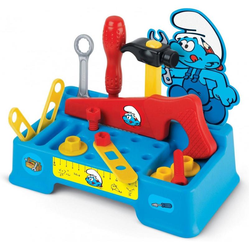Рабочий набор Смурфика с инструментамиИгровой набор Faro Рабочий набор Смурфика с инструментами.<br>Дизайн набора создан на основе популярного детского мультфильма Смурфики, поэтому ребенок будет с большой охотой играть с ним. Игрушечные рабочие инструменты как нельзя лучше развивают мелкую моторику рук,самостоятельность, координацию движений, ответственность, трудолюбие.Всего в наборе 13 инструментов: пила, молоток, отвертка, шестигранный ключ, винты, болты, линейка, крепление. Все предметы расположены на подставке, поэтому ребенок будет держать инструменты в порядке. Детали не выгорают на солнце. Набор сделан из качественной, безопасной для детей пластмассы.<br><br>Возраст от: 3 года<br>Пол: Для мальчика<br>Артикул: 634338<br>Страна производитель: Китай<br>Бренд: Италия<br>Лицензия: Смурфики<br>Размер: от 3 лет