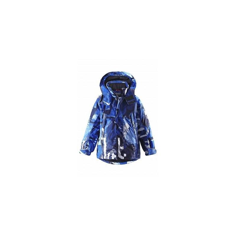 КурткаКуртка сине-голубогоцвета с рисунком марки REIMA серииREIMA TEC для мальчиковвыполненаиз прочного водо- и ветронепроницаемого дышвщего материала с грязеотталкивающей обработкой.Мембрана 15000 мм.Материалдышит, обеспечивая комфортную температуру и сухость.<br>Гладкая подкладка из полиэстера позволяет легко надевать куртку.Все швы проклеены, водонепроницаемы.Куртка оснащена специальными кнопками Play Layers, что позволяет пристегивать дополнительный промежуточный слой.На капюшоне имеется клапан, который защищает от холода и ветра. Куртка регулируется резинкой со стопперами на талии для идеальной посадки, манжеты регулируются с помощью липучки. Куртка имеет два нагрудных кармана на молнии, внутренний карман, и карман на рукаве на молнии для полезных мелочей. Застегивается куртка на молнию и липучки. Куртка оснащена множеством светоотражающих элементов для безопасности ребенка в темное время суток.<br>Куртка не теряет своих свойств при многократной стирке в стиральной машине, быстро сохнет. Также за ней можно ухаживатьс помощьювлажной губки.<br><br>Размер: 9 лет<br>Цвет: Синий<br>Рост: 134<br>Пол: Для мальчика<br>Артикул: 635233<br>Страна производитель: Китай<br>Сезон: Осень/Зима<br>Состав верха: 100% Полиэстер<br>Состав подкладки: 100% Полиэстер<br>Бренд: Финляндия<br>Наполнитель: 100% Полиэстер<br>Покрытие: Полиуретан<br>Температура: до -20°<br>Вес утеплителя: 160 г
