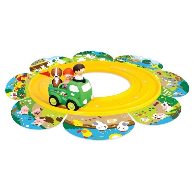 Развивающая игрушка Экскурсия на фермуРазвивающая игрушка Экскурсия на ферму марки Baboum.<br>Игровой набор Экскурсия на ферму – это интерактивная игра для малышей, которая представлена в виде автодороги с карточками с изображением животных и с грузовика. Имеет два режима: грузовик называет животных, малыш называет их детенышей.<br>Чтобы начать игру, соедините детали дороги по кругу, извилистой или фантазийной линии и пустите по ней грузовик с неваляшками. Во время игры у ребенка развивается логическое и пространственное мышление, воображение, зрительное, слуховое и тактильное восприятие, цветоощущение, мелкая и общая моторика, как следствие, речь и координация. Поскольку игрушка произносит забавные фразы на русском и английском языках, можно сформировать у малыша билингвальность.Интерактивный игровой набор Экскурсия на ферму изготовлен из безопасных для здоровья малыша материалов. Работает от трех батареек типа ААА, которые включены в комплект.<br><br>Возраст от: 18 месяцев<br>Пол: Не указан<br>Артикул: 630797<br>Бренд: Гонконг<br>Размер: от 18 месяцев