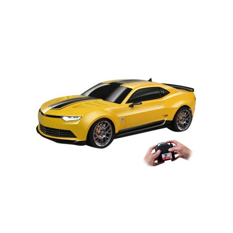 Машина радиоуправляемая Bumblebee StreetcarМашина радиоуправляемая Bumblebee Streetcarмарки Nikko.<br>Машинка Bumblebee Streetcar может двигаться в различных направлениях. У нее горят передние и задние фары. Выполнена в масштабе 1:16.<br>Автобот Bumblebee - один из главных героев Трансформеров. Это желтый с черными полосами Шевроле Камаро. Теперь вы можете управлять легендарной машиной. Машинка готова пройти любые виражи на трассе, так как поддерживает полное управление с пульта. Развивает скорость до 8,5 км/час.<br>Радиус управления: до 20 метров.Размер игрушки: 29х13х8 см.Не трансформируется!Машинка работает от 4 батареек АА (в комплект не входят).Пульт работает на батарейке 9В, тип Крона.Время игры: до 30 минут.Время зарядки: 4 часа.Размеры упаковки: 40х19х18 см.<br><br>Возраст от: 8 лет<br>Пол: Для мальчика<br>Артикул: 633880<br>Страна производитель: Китай<br>Бренд: Япония<br>Размер: от 8 лет