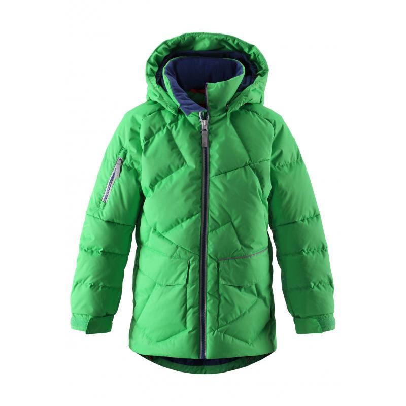 КурткаКуртка-пуховикярко-зеленогоцвета марки REIMAдлямальчиковвыполнена из ветронепроницаемоего дышащего материала с водо- и грязеотталкивающим покрытием. Пуховик с высокой степенью утепления, наполнитель пух/перо.<br>Безопасный съемный капюшон на кнопках дополнен мягкой флисовой подкладкой. Сзади и спереди куртки есть светоотражающие элементы. Куртка имеет два кармана на липучке.Низ куртки регулируется шнурком со стопперами. Манжеты на рукавах на резинке, регулируются с помощью липучек.<br>Куртку можно стирать в стиральной машине, материал быстро сохнет. Также за нейможно ухаживатьс помощьювлажной губки.<br><br>Размер: 6 лет<br>Цвет: Зеленый<br>Рост: 116<br>Пол: Для мальчика<br>Артикул: 637703<br>Страна производитель: Китай<br>Сезон: Осень/Зима<br>Состав верха: 100% Полиэстер<br>Состав подкладки: 100% Полиэстер<br>Бренд: Финляндия<br>Наполнитель: 60% Пух, 40% Перо<br>Покрытие: Полиуретан<br>Температура: от -10° до -30°