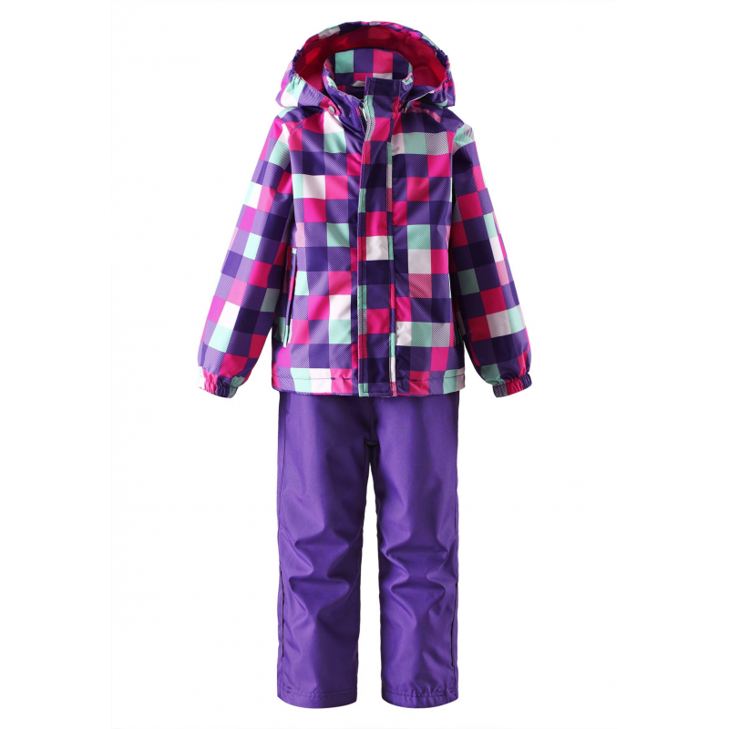 КомплектКомплект куртка + брюки фиолетового цвета марки LASSIE by REIMA для девочек. Комплект выполнен из водоотталкивающего ветронепроницаемого дышащего материала. Куртка без утепления украшена рисунком в разноцветную клетку, имеет съемный капюшон на кнопках, спереди дополнена двумя карманами на липучках; манжеты на резинках обеспечивают плотное прилегание и защищают от ветра. Брюки фиолетового цвета без утепления имеют широкий пояс на резинке, дополнены карманом на липучке. Светоотражащие детали на куртке и брюках обеспечивают безопасность в темное время суток.<br><br>Размер: 10 лет<br>Цвет: Фиолетовый<br>Рост: 140<br>Пол: Для девочки<br>Артикул: 638343<br>Страна производитель: Китай<br>Сезон: Весна/Лето<br>Коллекция: 2016<br>Состав: 100% Полиэстер<br>Состав подкладки: 100% Полиэстер<br>Бренд: Финляндия<br>Вид застежки: Молния<br>Покрытие: Полиуретан<br>Тип: Демисезон