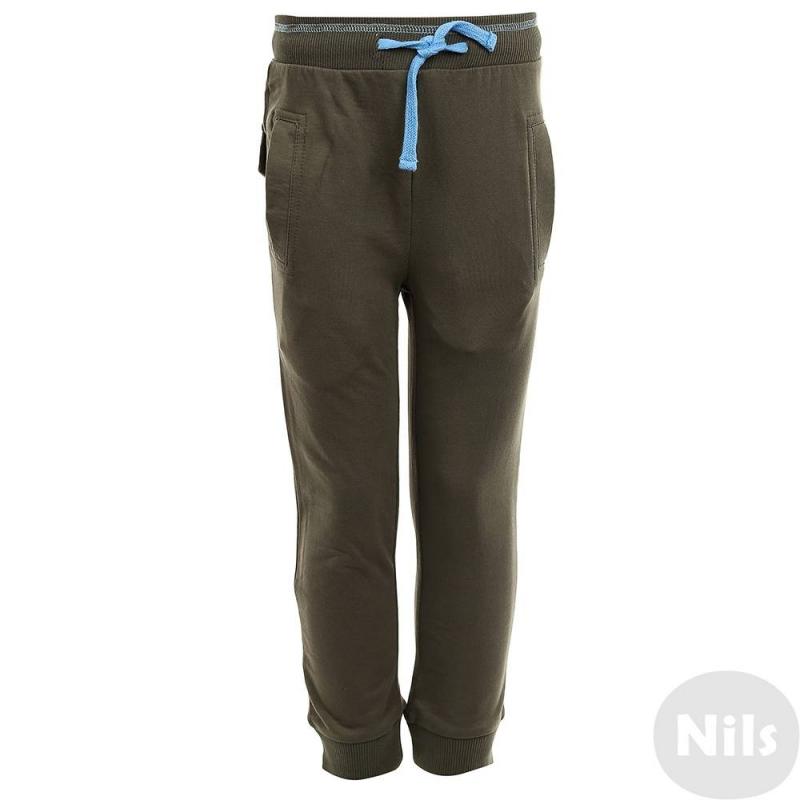 БрюкиСпортивные брюкитемно-серого цвета марки KOGANKIDS длямальчика. Брюки выполнены из стопроцентного хлопка,спереди имеют два кармана, завязываются на поясе на шнурок. Сзади брюки декорированы фальш-карманами с принтом.<br><br>Размер: 7 лет<br>Цвет: Темносерый<br>Рост: 122<br>Пол: Для мальчика<br>Артикул: 637569<br>Страна производитель: Узбекистан<br>Сезон: Весна/Лето<br>Состав: 100% Хлопок<br>Бренд: Россия