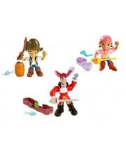 Фигурка большая с аксессуарами в ассортименте Mattel