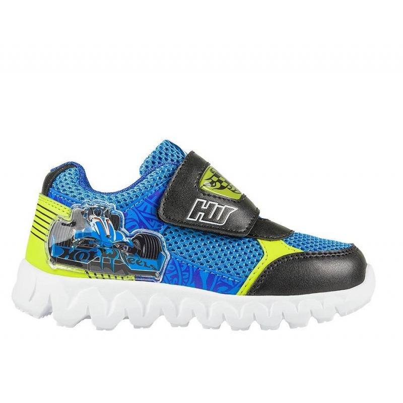 КроссовкиКроссовки голубогоцвета с рисунком Hot Wheels марки Kakadu для мальчиков.<br>Обувь украшена изображением в стиле Hot Wheels - моделями спортивных машин, которые так нравятся мальчикам. Сделаны кроссовки из качественной искусственнойкожи с текстильными вставками, которые позволяют ноге дышать.Подошва - из очень легкого и прочного материала, который позволяет ребенку чувствовать себя комфортно при ходьбе.На кроссовках – мигающие огоньки, которые так нравятся детям. Модель укомплектована электронным механизмом с разноцветными светодиодами. Они работают от одноразового встроенного аккумулятора, который рассчитан приблизительно на полмиллиона циклов включения/выключения, что должно обеспечить работу светодиодов в течение полугода при ежедневном непрерывном использовании.<br><br>Размер: 22<br>Цвет: Голубой<br>Пол: Для мальчика<br>Артикул: 638818<br>Страна производитель: Китай<br>Сезон: Весна/Лето<br>Материал верха: Текстиль / Иск. кожа<br>Материал подкладки: Хлопчатобумажная<br>Материал подошвы: ЭВА (каучук)<br>Лицензия: Hot Wheels