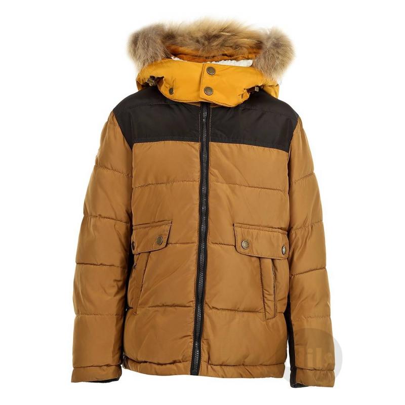 КурткаТеплая куртка бежевогоцвета марки PULKA для мальчиков. Куртка со съемным капюшоном сшитаиз полностью непродуваемого материала, поэтому хорошо защищает от ветра. Подкладка в классическую клеточку выполненаиз мягкого приятного на ощупь материала. Есть два кармана на молнии. Низ куртки регулируетсяэластичным шнурком с застежками. На рукавах удобные внутренние манжеты. Съемная отделка капюшона выполнена из натурального меха (енот). Температурный режим: до -35° -40°<br><br>Размер: 5 лет<br>Цвет: Верблюжий<br>Рост: 110<br>Пол: Для мальчика<br>Артикул: 604014<br>Бренд: Италия<br>Страна производитель: Китай<br>Сезон: Осень/Зима<br>Состав: 100% Полиэстер<br>Состав подкладки: 100% Полиэстер / 55% Нейлон, 45% Полиэстер<br>Наполнитель: 100% Полиэстер<br>Температура: до -35° -40°