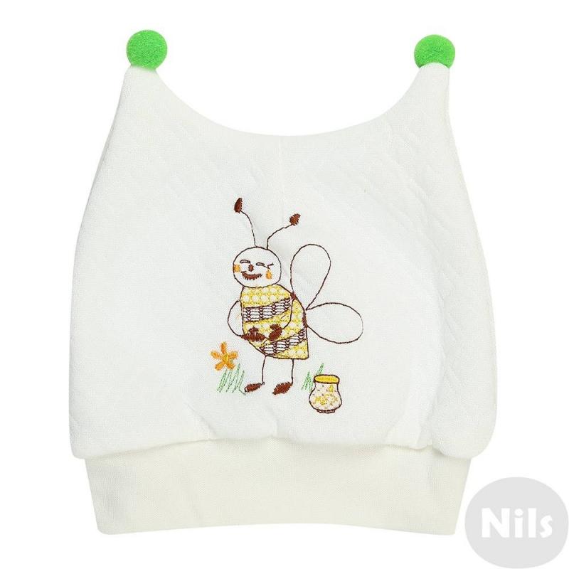 ШапочкаШапочка молочногоцвета марки Милуша для малышей. Остроконечная шапочка выполнена из хлопкового трикотажа капитон с рисунком в ромбик, украшена принтом с изображением пчелки. Дополнена небольшими помпонами.<br><br>Цвет: Бежевый<br>Размер шапки: 40<br>Пол: Не указан<br>Артикул: 638523<br>Бренд: Россия<br>Страна производитель: Россия<br>Сезон: Всесезонный<br>Состав: 100% Хлопок<br>Размер: Без размера