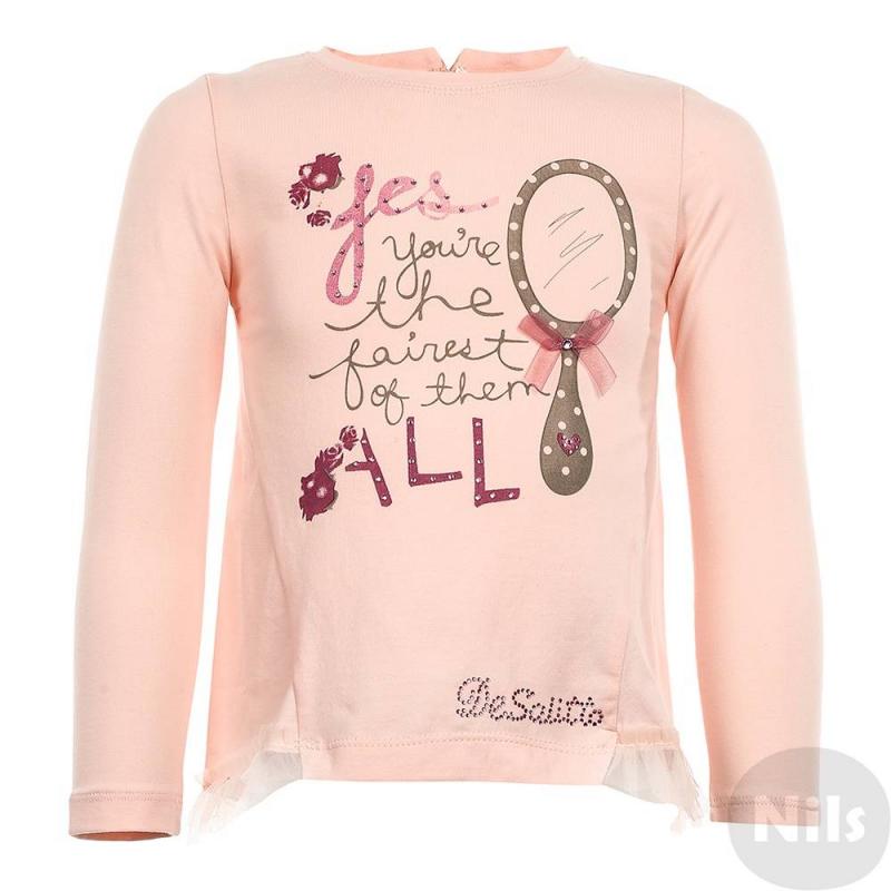 Футболка с длинным рукавомФутболка с длинным рукавом розовогоцвета марки De Salitto для девочек.<br>Футболка декорирована стильным принтом со стразами, а также нежными рюшами.<br><br>Размер: 3 года<br>Цвет: Розовый<br>Рост: 98<br>Пол: Для девочки<br>Артикул: 639229<br>Страна производитель: Китай<br>Сезон: Весна/Лето<br>Состав: 65% Полиэстер, 35% Вискоза<br>Бренд: Италия<br>Вид застежки: Пуговицы