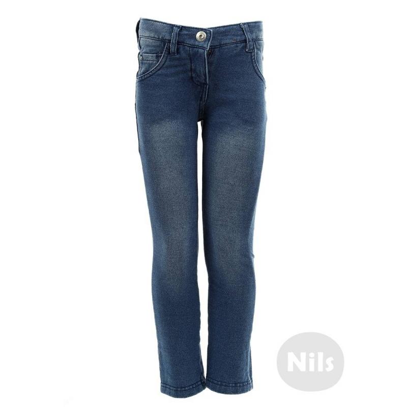 Джинсы - SARABANDAСиние джинсы марки SARABANDA для девочек. Облегающие джинсы стрейч из мягкого трикотажа с начесом, окрашенного под деним с небольшим эффектом потертости. Джинсы имеют пять карманов, застегиваются на молнию и простую брючную застежку с крючком. Пояс регулируется специальными пуговицами на внутренней стороне. Джинсы украшены стразами.<br><br>Размер: 5 лет<br>Цвет: Синий<br>Рост: 110<br>Пол: Для девочки<br>Артикул: 603220<br>Страна производитель: Китай<br>Сезон: Осень/Зима<br>Состав: 95% Хлопок, 5% Эластан<br>Бренд: Италия