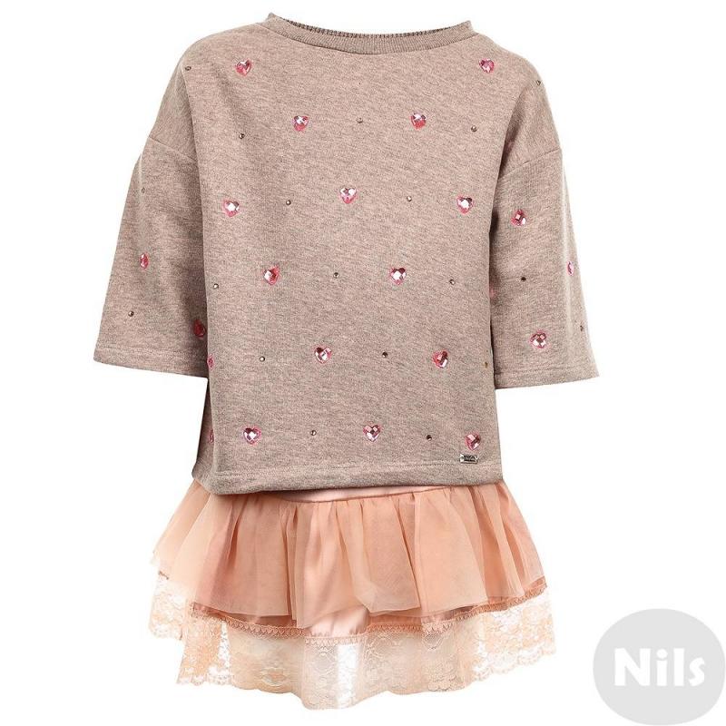 КомплектКомплект толстовка+майка розового цвета марки De Salitto для девочек.<br>Комплект выполнен из чистого хлопка. Бежево-розовая толстовка с рукавом 3/4 декорирована стразами в форме сердечек и объемным нежно-розовым бантиком на спинке. Атласная майка по низу украшена объемными кружевными оборками.<br><br>Размер: 10 лет<br>Цвет: Розовый<br>Рост: 140<br>Пол: Для девочки<br>Артикул: 639124<br>Страна производитель: Китай<br>Сезон: Весна/Лето<br>Состав: 100% Хлопок<br>Бренд: Италия