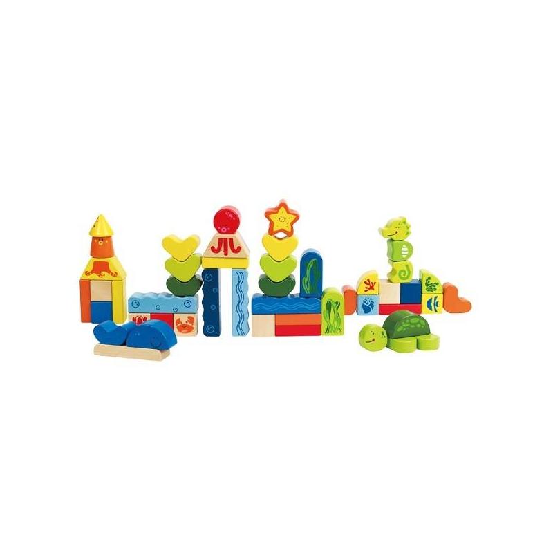 Конструктор Морские животныеДеревянныйконструктор Морские животныемарки Hape.<br>Яркий игровой набор включает в себя сорок восемь деревянных элементов разных геометрических форм и цветов.Забавные персонажиоткрывают большое пространство для творчества малыша. Онсможет построить красочный фантастический морской город с симпатичными домиками и не менее симпатичными жителями.<br>Набор способствует развитию логического и пространственного мышления, воображения, мелкой моторики, координации глаз.<br>Размеры упаковки:42 х 18 х 6 см.<br><br>Возраст от: 3 года<br>Пол: Не указан<br>Артикул: 629553<br>Страна производитель: Швейцария<br>Бренд: Китай<br>Размер: от 3 лет