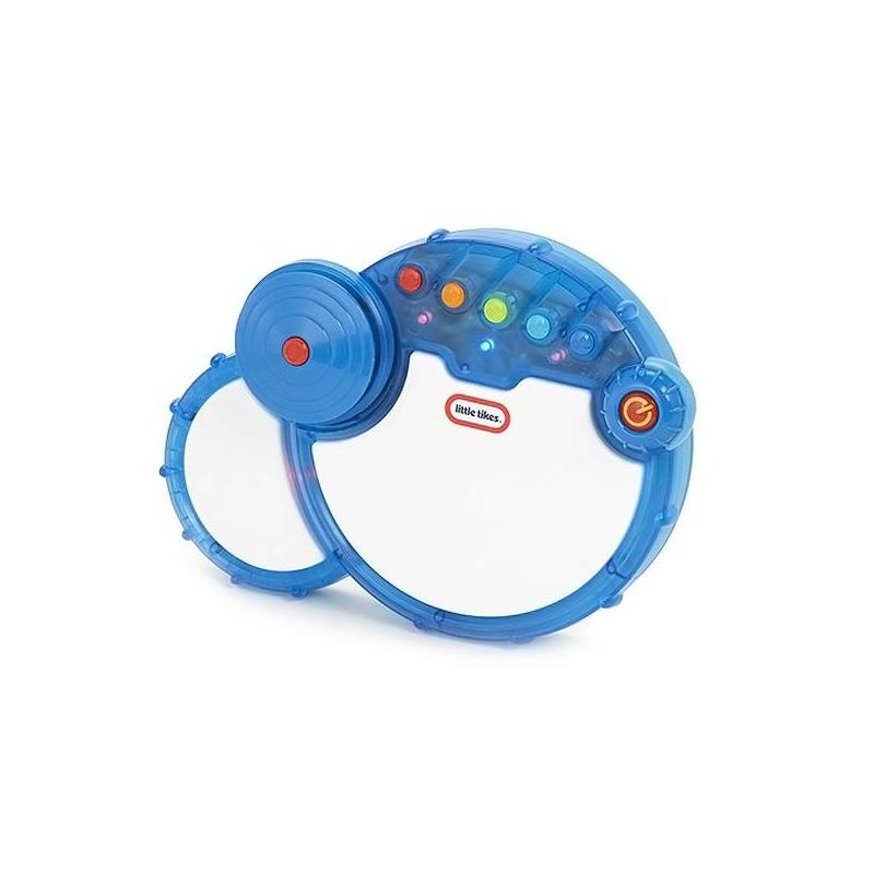 БарабанМузыкальный Барабан марки Little Tikes.<br>Игрушка представляет собойцелую барабанную установку! В ней есть бас-барабан, малый барабан и тарелки. Идеальный инструмент для того, чтобы развивать у малыша чувство ритма. Можно подыгрывать одной из пяти мелодий, которые есть в памяти игрушек, а можно отбивать ритм, который только что пришел в голову. Играть можно как палочками, так и руками. Барабан имеетскладные ножки, чтобы ставить барабан на стол.При игре барабан подсвечивается яркими огоньками.<br>Игрушка работаетот 3 батареек АА, которые не входят в комплект.<br>Список песен,которые проигрываются при нажатии кнопок:<br>What I Like About You<br>I Heard It Through the Grapevine<br>She'll Be Coming 'Round the Mountain<br>Skip To My Lou<br>This Old Man<br>Размер упаковки: 0.15 х 0.03 х 0.1 м<br><br>Возраст от: 2 года<br>Пол: Не указан<br>Артикул: 630835<br>Бренд: США<br>Размер: от 2 лет