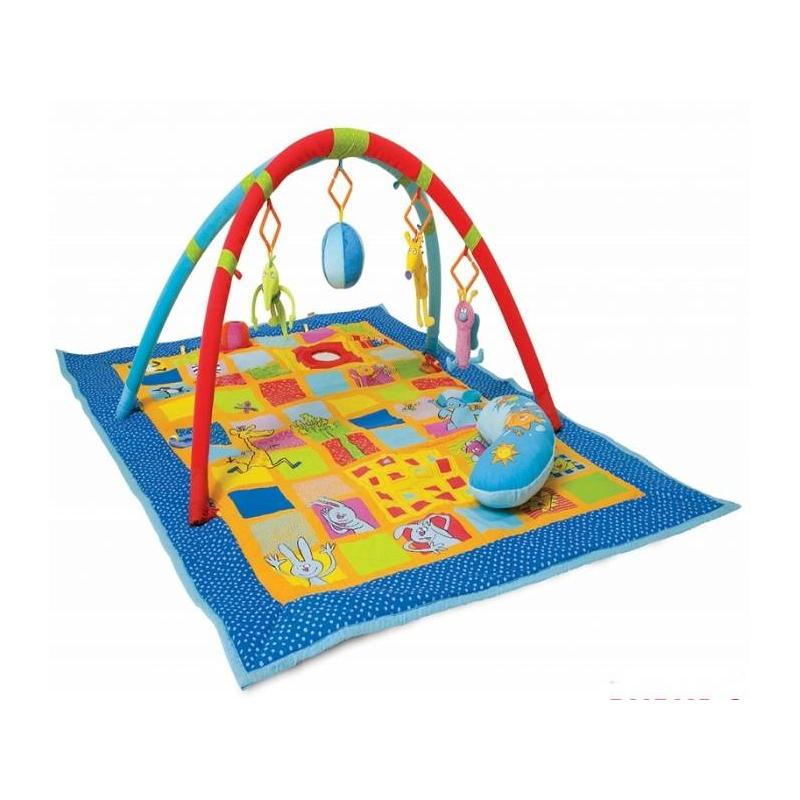 Развивающий коврик 3 в 1Развивающий коврик 3 в 1 марки Taf Toys.<br>Многофункциональный развивающий коврик станет незаменимой, а главное полезной игрушкой для гармоничного развития ребенка. Развивающий коврик предназначен для детей с самого рождения. В основе коврика текстильные детали, которые отличаются текстурой и цветом. Игрушка оснащена звуковыми эффектами.<br>Интерактивные элементы коврика:вибрирующая ящерица,музыкальный мячик,пищащий жираф,бабочка с колокольчиком,мягкая подушка.<br>Все элементы изготовлены из текстиля, поэтому совершенно безопасны для малыша и приятны на ощупь.<br>Коврик Taf Toys способствует развитию:тактильных навыков,цветовосприятия,мелкой моторики,памяти,фантазии.<br>Размер: 100х150 см.<br>Питание: 3 батарейки LR44 (входят в комплект).<br><br>Возраст от: 0 месяцев<br>Пол: Не указан<br>Артикул: 635099<br>Бренд: Израиль<br>Размер: от 0 месяцев