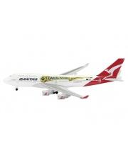 Самолет Qantas B747-400 1:600