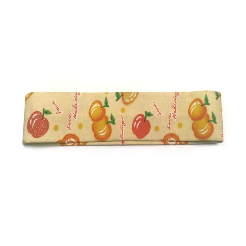 ПовязкаПовязка желтого цвета маркиInfinity Art.<br>Повязкадекорирована принтом с изображениями спелых яблок. Повязкапрекрасно дополнит летний образ, а также поможет аккуратно убрать волосы.<br><br>Цвет: Желтый<br>Пол: Для девочки<br>Артикул: 639909<br>Страна производитель: Китай<br>Бренд: Китай<br>Размер: Без размера