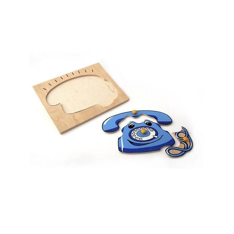 Пазл ТелефонПазлТелефон марки ЛЭМ.<br>Игрушка призвана обучить ребенка основным понятиям пространственного восприятия. В частности, ребенок должен научиться узнавать знакомые ему предметы и вкладывать их в предназначенные для этого выемки. Ребенок научится различать величину объектов и сможет устанавливать их соразмерность. Материал, выбранный для производства вкладыша – дерево.<br><br>Возраст от: 12 месяцев<br>Пол: Не указан<br>Артикул: 630332<br>Бренд: Россия<br>Размер: от 12 месяцев<br>Материал: Дерево