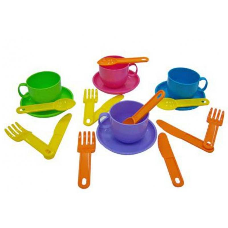Набор посуды МинуткаНабор посуды Минутка марки Полесье. Набор большой и разноцветный. Выполнен из прочного, безопасного для детей пластика. Не тяжелый, такой кухонный набор можно легко брать с собой в поездку.Подходит для малышей от 3х лет.<br>Комплектация:4 чашки, 4 блюдца,4 ножа,4 ложки.Материал пластик.<br><br>Возраст от: 3 года<br>Пол: Для девочки<br>Артикул: 634116<br>Бренд: Белоруссия<br>Размер: от 3 лет