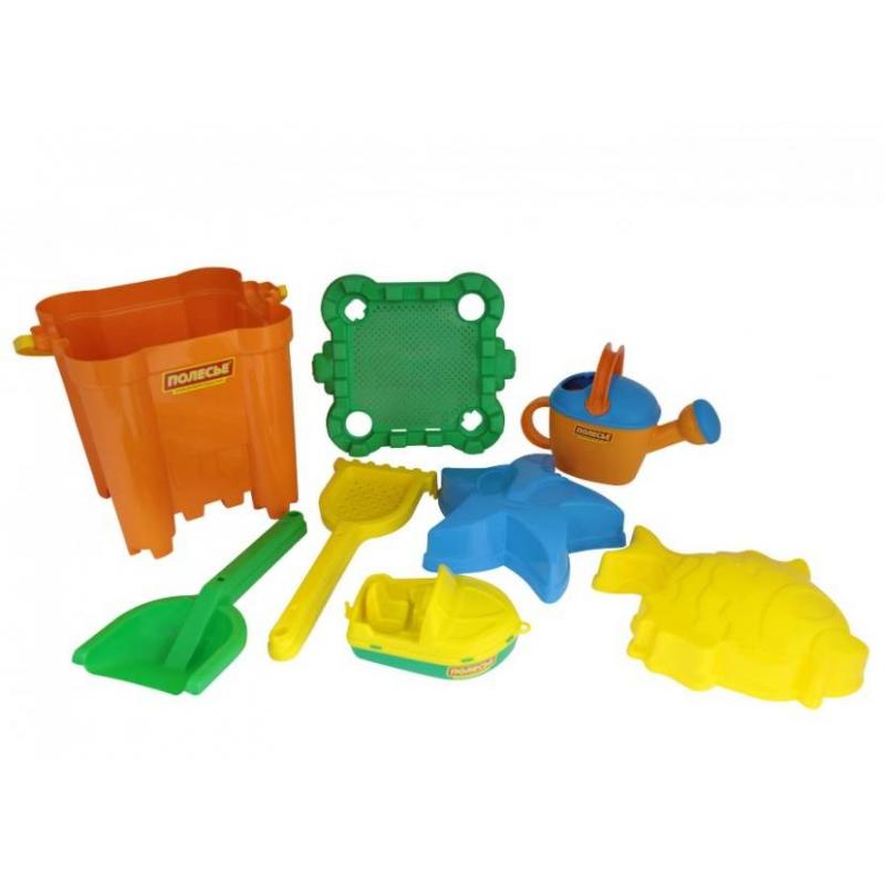 Набор для песочницы №469Набор для песочницы№469марки Полесье. Игровой набор выполнен в ярких, привлекающих внимание ребенка цветах. Все элементы игрушки выполнены из высококачественного, ударопрочного пластика. Подходит для детей в возрасте от 2х лет.<br>Комплектация:ведро-крепость, сито-крепость, лопатка, грабельки, 2 формочки, катер и лейка.<br><br>Возраст от: 2 года<br>Пол: Для мальчика<br>Артикул: 634138<br>Бренд: Белоруссия<br>Размер: от 2 лет
