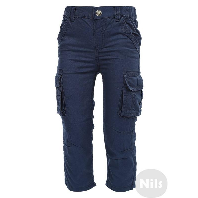 БрюкиТемно-синие брюки марки BLUE SEVEN для мальчиков. Хлопковые брюки с карманами по бокам на штанинах. Карманы на липучках.Регулируемый специальными пуговицами пояс обеспечивает отличную посадку. Благодаря вытачкам на коленях брюки не стесняют движений. Застегиваются на кнопку.<br><br>Размер: 3 месяца<br>Цвет: Темносиний<br>Рост: 62<br>Пол: Для мальчика<br>Артикул: 604575<br>Страна производитель: Бангладеш<br>Сезон: Всесезонный<br>Состав: 100% Хлопок<br>Бренд: Германия