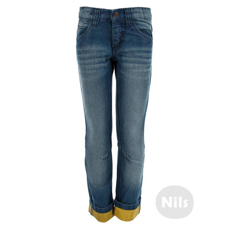 ДжинсыСиние джинсы марки BLUE SEVEN для мальчиков. Джинсы с пятью карманами и с эффектом потертости застегиваются на молнию и брючную застежку-крючок. Благодаря специальным вытачкам на коленях брюки не стесняют движений. Низ штанин прорезинен с внутренней стороны для прочности при подворачивании. Регулируемый специальными пуговицами пояс обеспечивает отличную посадку.<br><br>Размер: 8 лет<br>Цвет: Синий<br>Рост: 128<br>Пол: Для мальчика<br>Артикул: 604437<br>Страна производитель: Бангладеш<br>Сезон: Всесезонный<br>Состав: 70% Хлопок, 30% Полиэстер<br>Бренд: Германия