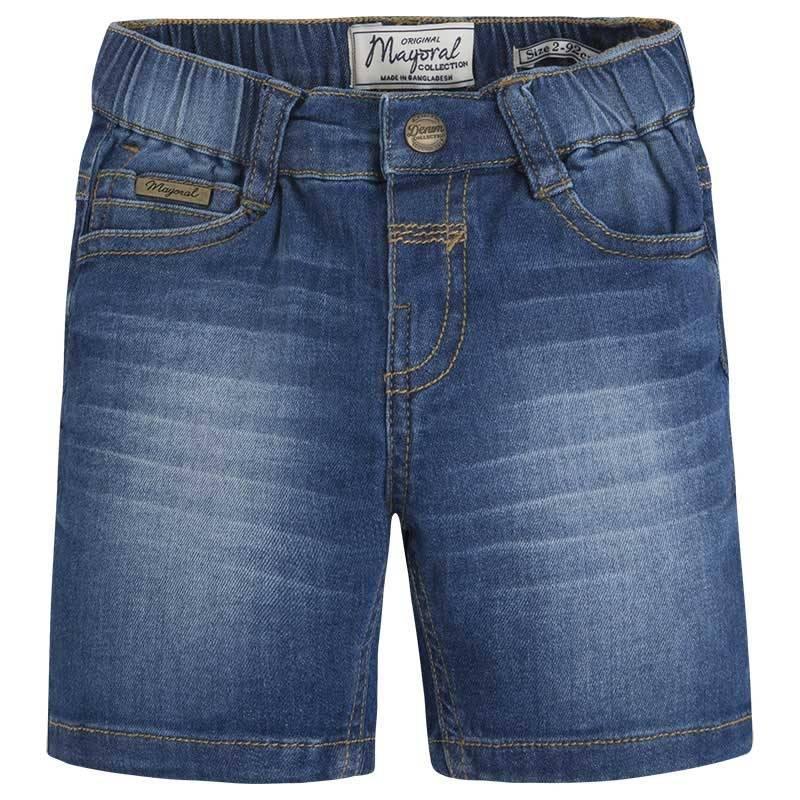 ШортыШорты синегоцвета марки Mayoral для мальчиков.<br>Джинсовые шорты застегиваются на кнопку и декорированы легким эффектом потертости. Модель дополнена карманами, а также регулируется на талии специальной резинкой на пуговицах.<br><br>Размер: 8 лет<br>Цвет: Синий<br>Рост: 128<br>Пол: Для мальчика<br>Артикул: 640613<br>Страна производитель: Бангладеш<br>Сезон: Весна/Лето<br>Состав: 98% Хлопок, 2% Эластан<br>Бренд: Испания<br>Вид застежки: Кнопки