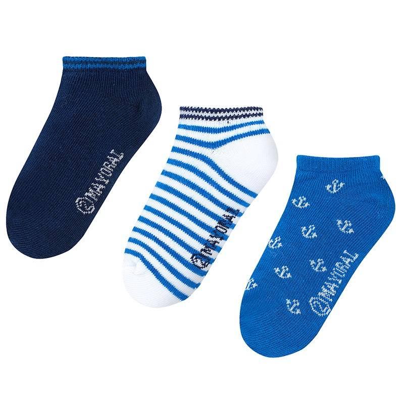 Комплект носковКомплект носков синегоцвета марки Mayoralдля мальчиков.<br>В комплект входит три пары хлопковых носков. Носочки выполнены в бело-синих тонах и декорированы узорами в морском стиле.<br><br>Размер: 8 лет<br>Цвет: Синий<br>Рост: 128<br>Пол: Для мальчика<br>Артикул: 641713<br>Страна производитель: Китай<br>Сезон: Всесезонный<br>Состав: 72% Хлопок, 25% Полиамид, 3% Эластан<br>Бренд: Испания