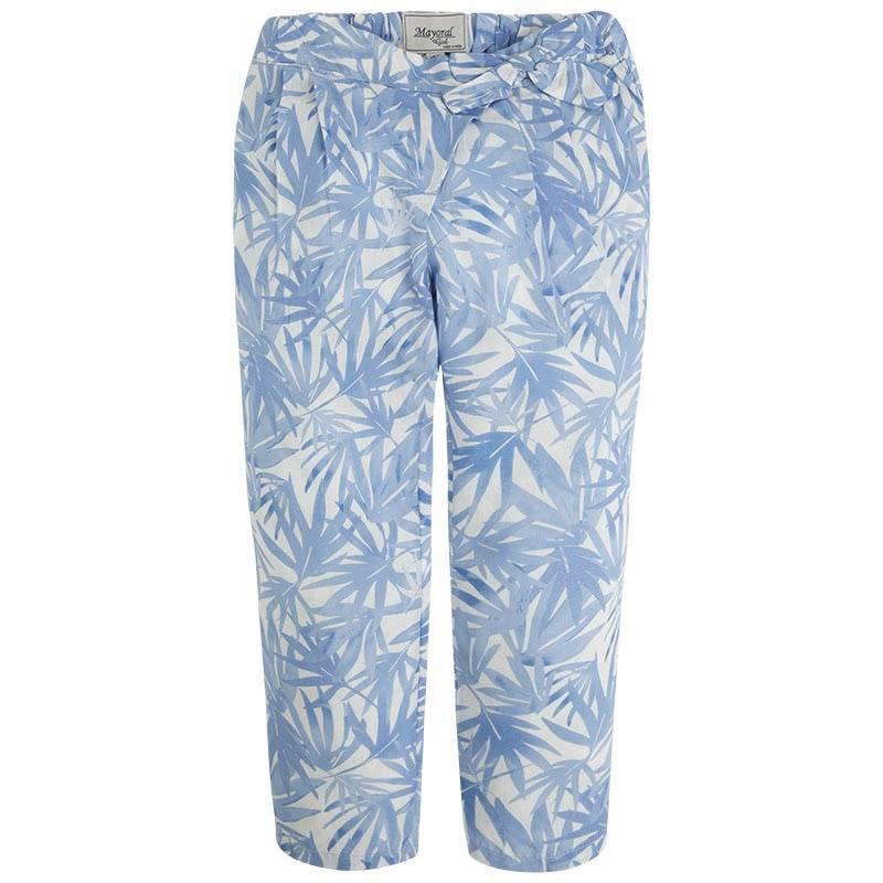 БрюкиБрюкиголубогоцвета марки Mayoral для девочек.<br>Легкие брюки выполнены из вискозы и украшены тропическимпринтом с изображением пальмовых веток.Модель дополнена карманами, а также регулируется на талии специальной резинкой на пуговицах.<br><br>Размер: 8 лет<br>Цвет: Голубой<br>Рост: 128<br>Пол: Для девочки<br>Артикул: 641363<br>Бренд: Испания<br>Страна производитель: Индия<br>Сезон: Весна/Лето<br>Состав: 100% Вискоза<br>Состав подкладки: 100% Хлопок