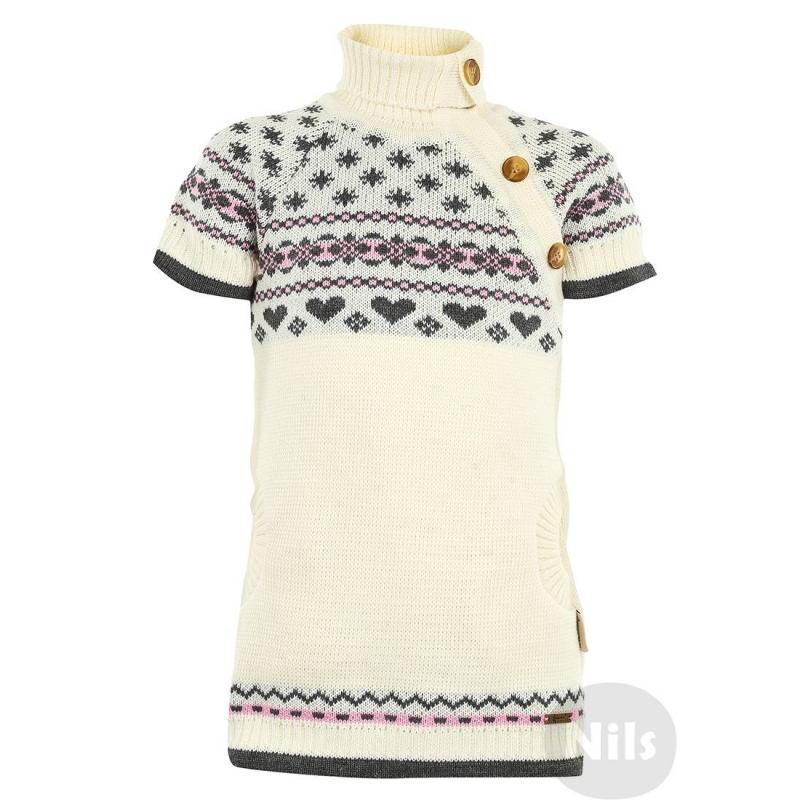 ПлатьеПлатье-свитериз шерсти альпаки кремового цвета с серо-розовым орнаментом марки GAKKARD. Теплое платьес коротким рукавом реглан, высоким воротничком, двумя карманами и застежкой с пуговицами. Платьеукрашено традиционным вязаным орнаментом.<br><br>Размер: 3 года<br>Цвет: Бежевый<br>Рост: 98<br>Пол: Для девочки<br>Артикул: 605212<br>Страна производитель: Россия<br>Сезон: Осень/Зима<br>Состав: 100% Шерсть<br>Бренд: Россия<br>Вид застежки: Пуговицы