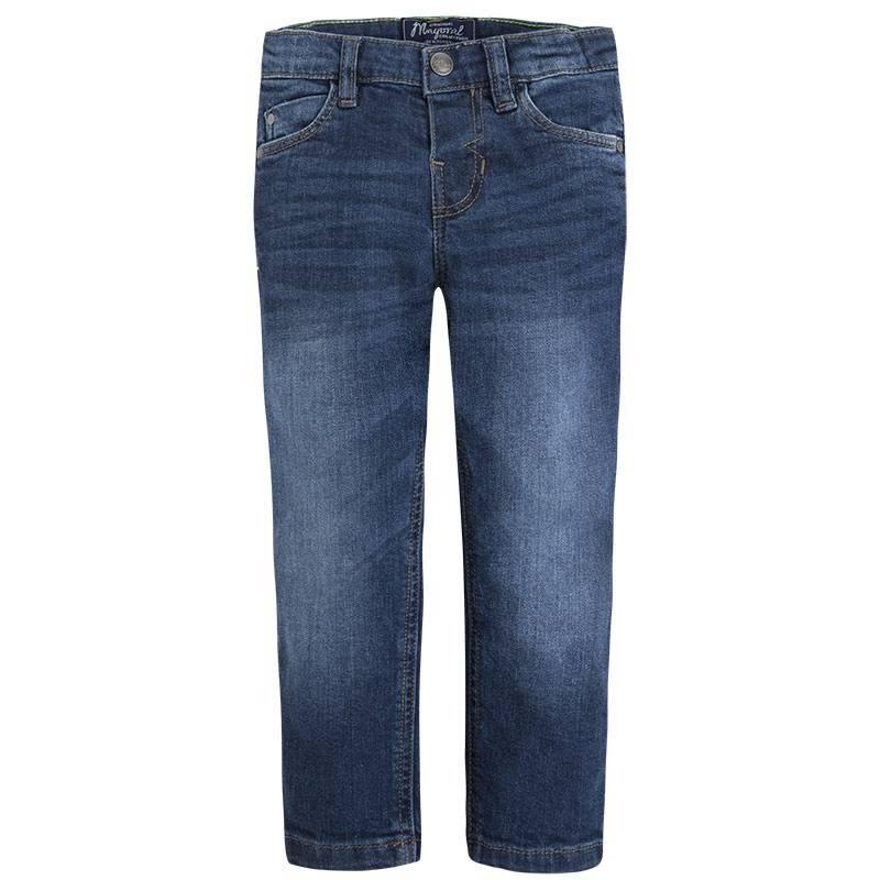 ДжинсыДжинсы темно-синегоцвета марки Mayoralдля мальчиков.<br>Стильные джинсы прямогокроя дополнены декоративными потертостями, карманами, а также шлейками для ремня.<br><br>Размер: 6 лет<br>Цвет: Темносиний<br>Рост: 116<br>Пол: Для мальчика<br>Артикул: 642442<br>Страна производитель: Пакистан<br>Сезон: Весна/Лето<br>Состав: 98% Хлопок, 2% Эластан<br>Бренд: Испания