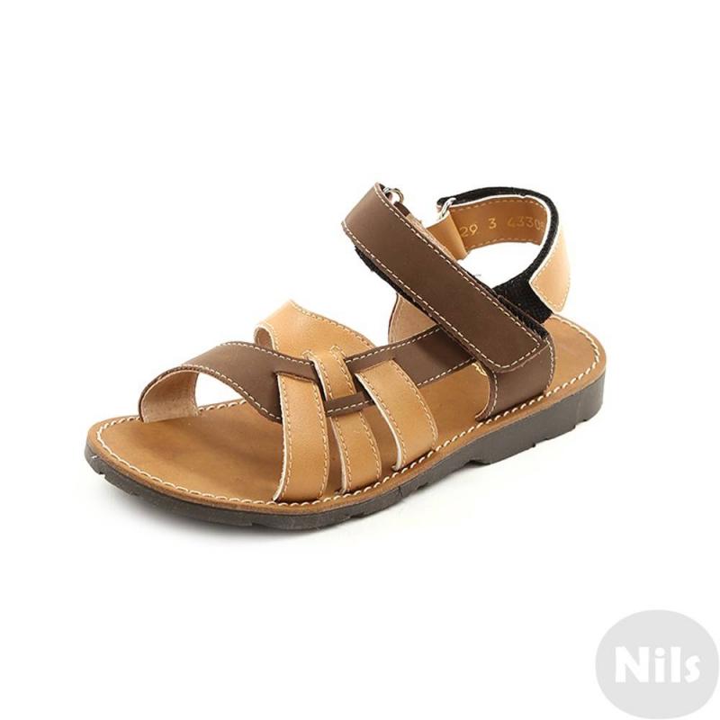 СандалетыСандалетыкоричневогоцвета маркиТоп-Топдля мальчиков.<br>Стильные сандалеты на липучке выполнены в насыщенном цвете и выгодно подчеркнуты вставками более темного оттенка.Подошва из ТЭП легкая и упругая,такжеимеет высокую стойкость к истиранию, такая обувь прослужит долго. Стелька из натуральной кожи позволяет ножкам дышать и отличается исключительной мягкостью.<br><br>Размер: 27<br>Цвет: Коричневый<br>Пол: Для мальчика<br>Артикул: 641876<br>Страна производитель: Россия<br>Сезон: Весна/Лето<br>Материал верха: Искусственная кожа<br>Материал стельки: Натуральная кожа<br>Материал подошвы: ТЭП (термопластик)<br>Бренд: Россия
