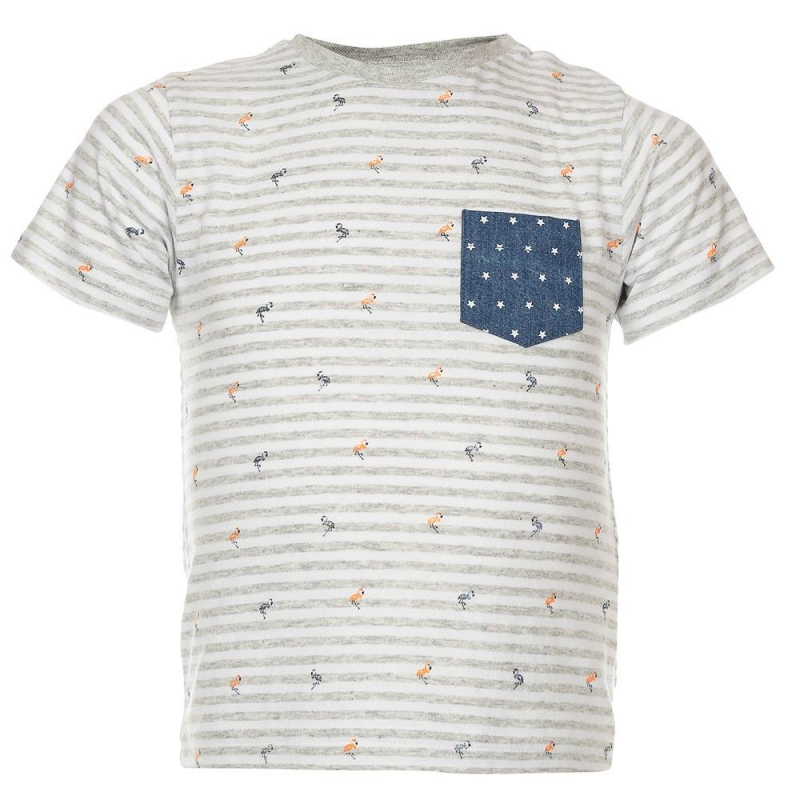 ФутболкаФутболка серогоцвета марки Mayoralдля мальчиков.<br>Хлопковая футболка с коротким рукавом дополнена кармашком синего цвета с белыми звездочками, а также кнопками на плече для удобства переодевания малыша. Модель в серо-белую полоску украшена принтом с изображениями забавных фламинго.<br><br>Размер: 12 месяцев<br>Цвет: Серый<br>Рост: 80<br>Пол: Для мальчика<br>Артикул: 640711<br>Страна производитель: Индия<br>Сезон: Весна/Лето<br>Состав: 95% Хлопок, 5% Полиэстер<br>Бренд: Испания<br>Вид застежки: Кнопки