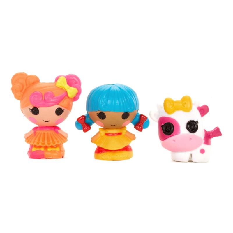 Куклы МалюткиНабор кукол Малюткимарки Lalaloopsy.<br>Милый и забавный игровой набор кукол Малюток будет радовать любую девочку во время игры. Набор небольшой и его можно взять с собой. Высота куколок всего 2,5 см. В набор входят две милые куколки и их питомец-коровка.<br><br>Возраст от: 4 года<br>Пол: Для девочки<br>Артикул: 644672<br>Страна производитель: Китай<br>Бренд: США<br>Лицензия: Lalaloopsy<br>Размер: от 4 лет