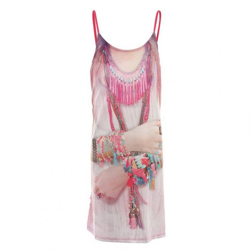 ПлатьеПлатьемалиновогоцвета марки Mayoral.<br>Легкое платье на тонких регулирующихся бретелях декорировано принтом в этническом стиле, а также милыми рюшами на спинке.<br><br>Размер: 14 лет<br>Цвет: Малиновый<br>Рост: 157<br>Пол: Для девочки<br>Артикул: 641698<br>Бренд: Испания<br>Страна производитель: Китай<br>Сезон: Весна/Лето<br>Состав: 97% Полиэстер, 3% Эластан<br>Состав подкладки: 100% Полиэстер