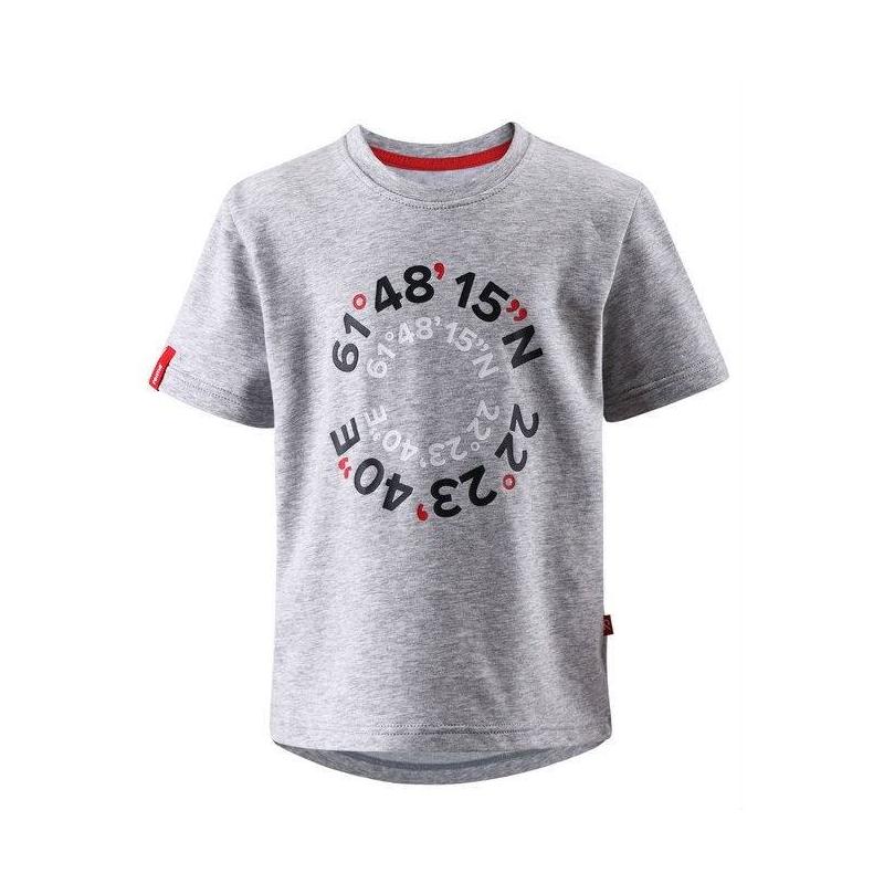 ФутболкаФутболка серого цвета марки REIMA для мальчиков.<br>Хлопковаяфутболка с коротким рукавом декорирована стильным принтом и конрастной строчкой красного цвета.<br><br>Размер: 7 лет<br>Цвет: Серый<br>Рост: 122<br>Пол: Для мальчика<br>Артикул: 642995<br>Бренд: Финляндия<br>Страна производитель: Китай<br>Сезон: Весна/Лето<br>Состав: 65% Хлопок, 30% Полиэстер, 5% Эластан<br>Тип: Лето<br>Серия: Reima