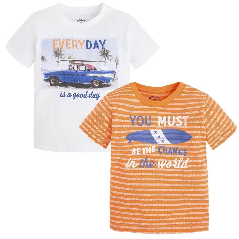 Комплект футболокКомплект футболокбелогоцвета марки Mayoralдля мальчиков.<br>В комплект входят две футболки с коротким рукавом выполненные из чистого хлопка. Белаяфутболка декорирована принтом в гавайском стиле.Оранжеваяфутболка украшена принтом в белуюполоску.<br><br>Размер: 8 лет<br>Цвет: Белый<br>Рост: 128<br>Пол: Для мальчика<br>Артикул: 643679<br>Страна производитель: Бангладеш<br>Сезон: Весна/Лето<br>Состав: 100% Хлопок<br>Бренд: Испания