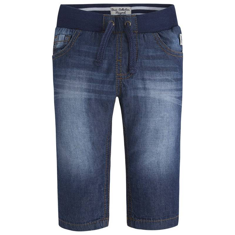 БрюкиБрюки синего цвета марки Mayoral для мальчиков.<br>Легкие брюки выполнены из чистого хлопка и украшеныдекоративными потертостями, а также модель дополнена карманами, резинкой и шнурком на поясе.<br><br>Размер: 12 месяцев<br>Цвет: Синий<br>Рост: 80<br>Пол: Для мальчика<br>Артикул: 643554<br>Страна производитель: Бангладеш<br>Сезон: Весна/Лето<br>Состав: 100% Хлопок<br>Бренд: Испания
