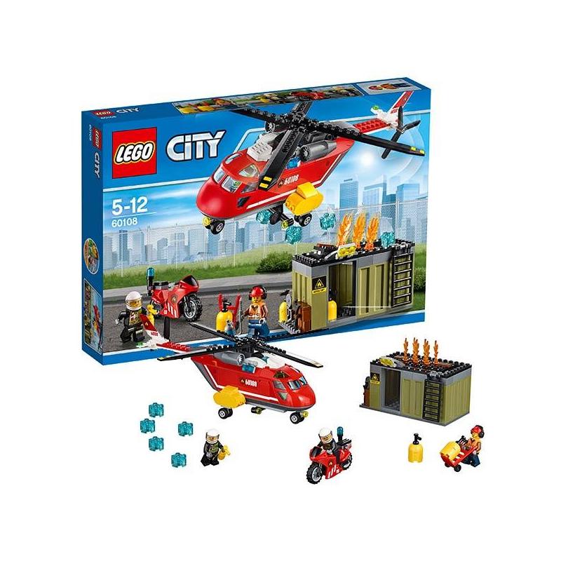 Конструктор Город Пожарная команда быстрого реагированияКонструкторГород (City) Пожарная охрана марки LEGO.<br>В Лего Сити опять пожар: на этот раз горит контейнер с газовыми баллонами. Торопись! Самый быстрый отряд пожарных спешит на помощь на специальном пожарном вертолете.Они тушат огонь с воздуха при помощи водяных бомбочек! Также тушит пожар рабочий на скоростном мотоцикле с огнетушитлем.<br>В наборе:три минифигурки – двое сотрудников пожарной охраны и рабочий, аксессуары -огнетушитель, водяные бомбочки, газовые баллоны, источники возгорания.<br>Кол-во деталей:257<br>Размеры упаковки: 38 х 6 х 26см<br><br>Возраст от: 5 лет<br>Пол: Для мальчика<br>Артикул: 642774<br>Бренд: Дания<br>Размер: от 5 лет