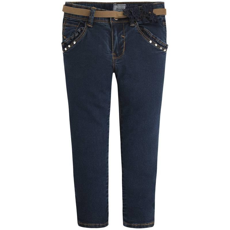 ДжинсыДжинсытемно-синего цвета марки Mayoral для девочек.<br>Хлопковые зауженные джинсы декорированы имитацией передних карманов с оборками и дополнены функциональными задними карманами. В комплекте имеется стильный пояс бежевого цвета, выгодно подчеркнутый нежным кружевом.<br><br>Размер: 3 года<br>Цвет: Темносиний<br>Рост: 98<br>Пол: Для девочки<br>Артикул: 645205<br>Бренд: Испания<br>Страна производитель: Индия<br>Сезон: Весна/Лето<br>Состав: 98% Хлопок, 2% Эластан