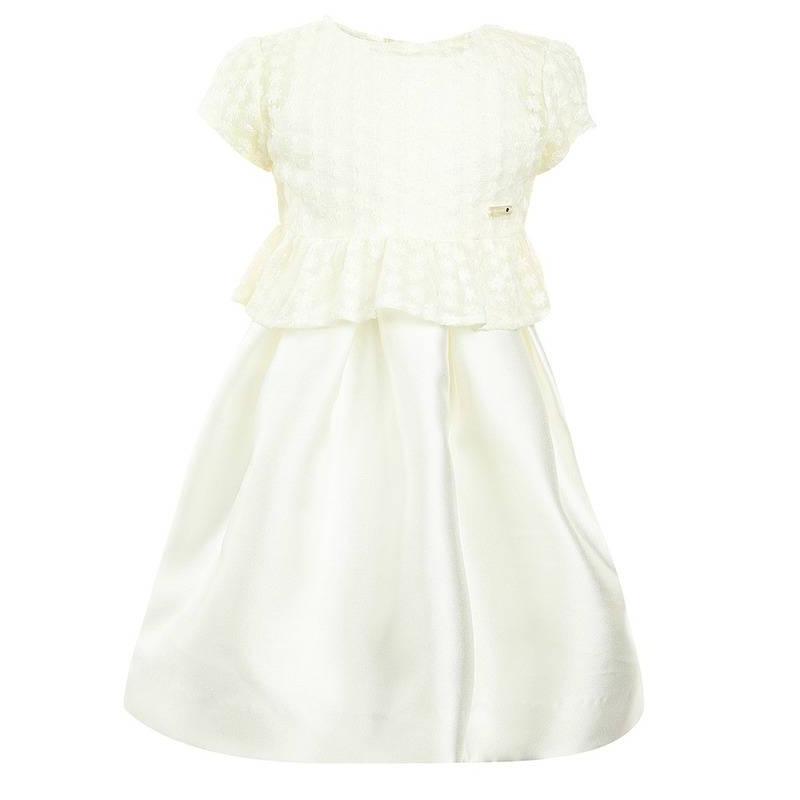 ПлатьеПлатьемолочногоцвета марки Mayoral.<br>Нарядное платье без рукавов и на подкладке застегивается сзади на потайную молнию, а также дополнено нежной кружевной кофточкой. Для удобства кофточка застегивается на кнопки.<br><br>Размер: 6 лет<br>Цвет: Бежевый<br>Рост: 116<br>Пол: Для девочки<br>Артикул: 644799<br>Страна производитель: Китай<br>Сезон: Весна/Лето<br>Состав: 100% Полиэстер<br>Состав подкладки: 90% Полиэстер, 10% Хлопок<br>Бренд: Испания<br>Вид застежки: Молния