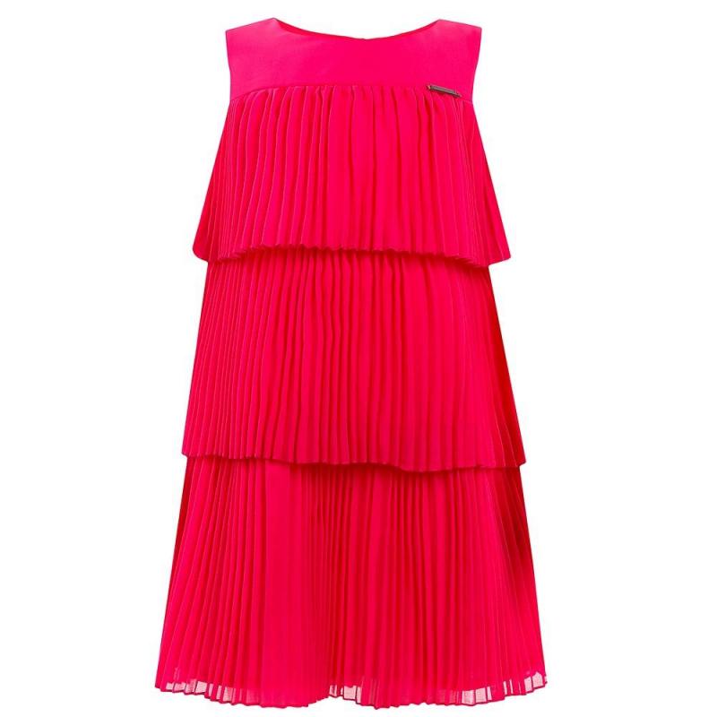 ПлатьеПлатье малинового цвета марки Mayoral.<br>Яркое платье на хлопковой подкладке в стиле 20-х годов выполнено в насыщенном цвете.<br><br>Размер: 4 года<br>Цвет: Малиновый<br>Рост: 104<br>Пол: Для девочки<br>Артикул: 644063<br>Страна производитель: Китай<br>Сезон: Весна/Лето<br>Состав: 100% Полиэстер<br>Состав подкладки: 80% Полиэстер, 20% Хлопок<br>Бренд: Испания<br>Вид застежки: Кнопки