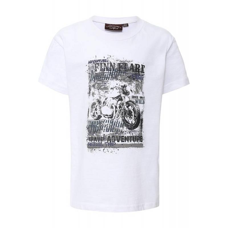 ФутболкаФутболка белогоцвета марки Finn Flare для мальчиков.<br>Однотонная футболка с коротким рукавом, выполненная из чистого хлопка, декорирована стильным принтомс надписямии изображением мотоцикла.<br><br>Размер: 13 лет<br>Цвет: Белый<br>Рост: 158<br>Пол: Для мальчика<br>Артикул: 645486<br>Страна производитель: Бангладеш<br>Сезон: Весна/Лето<br>Состав: 100% Хлопок<br>Бренд: Финляндия